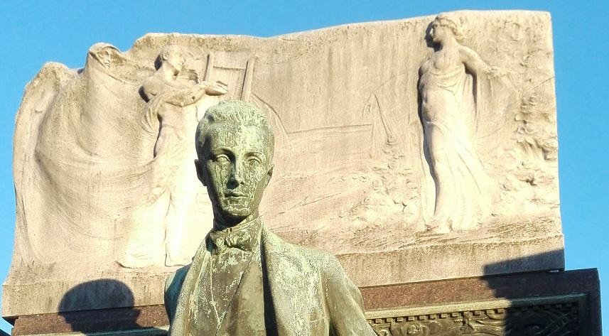 Turismo cimiteriale Monumento Croce Cimitero Monumentale