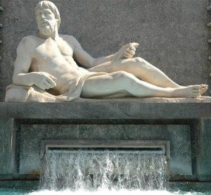 Attività all'aria aperta - Po statua Torino